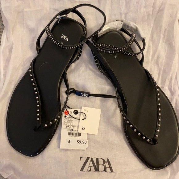 Flat Sandal - Black with studs SZ 7 w/ Duster